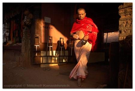 brahmin-outside-of-temple